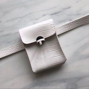 White Belt Bag 43f0ae4eb5581